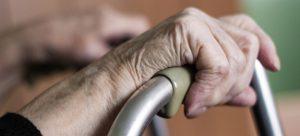 شایع ترین علامت پوکی استخوان و روش های تشخیص این بیماری