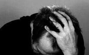 حمله عصبی را چگونه مدیریت کنیم و به خودمان کمک کنیم؟