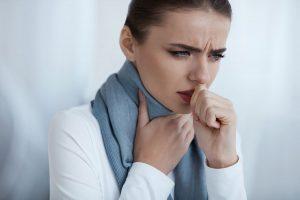 برای درمان سرفه چه اسانس و روغنی بخوریم؟