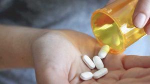 آنتیبیوتیکها چه عوارض ناگواری را برای شما به وجود می آورند؟