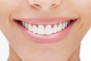 برای بهبود سلامت دندان چه مواد غذایی مصرف کنیم