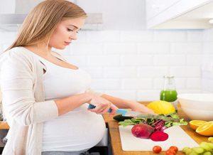آیا وزن مادر و رژیم غذایی آن در زمان بارداری بر وزن نوزاد تاثیر دارد؟
