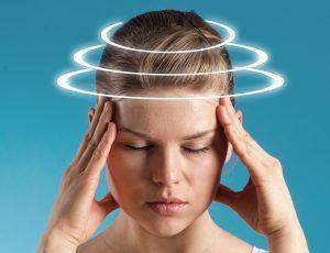 سرگیجه چیست؟ آشنایی با علل،علائم و درمان و انواع سرگیجه
