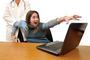 دوستیابی آنلاین / آیا دوستیابی آنلاین باعث افسردگی شما می شود؟