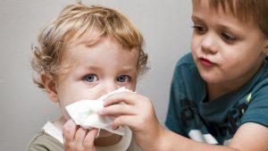 سرفه کودک / درمان های خانگی طبیعی برای سرفه در تابستان