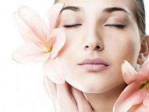 کاهش سرعت فرایند پیری پوست |چگونه منافذ پوستِ صورت را باز کنیم؟