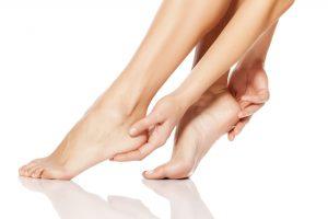 عرق کردن کف دست و پا / علت و درمان عرق کردن زیاد کف دست و پا