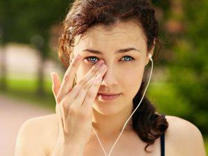 خارش چشم / علت ، علایم و درمان فوری خارش چشم ها