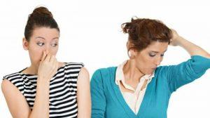 عرق | توصیه هایی شگفت انگیز جهت کاهش بوی بد عرق