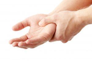 پارستزیا | علل خواب رفتن دست و پا چیست و روش جلوگیری از آن
