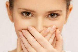 درمان بوی بد دهان | چگونه بوی بد دهان را برطرف کنیم؟