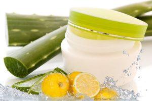 ژل ضد آکنه را با استفاده از آلوئه ورا و لیمو در خانه بسازید.