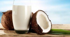 مزایای آب نارگیل برای سلامتی، پوست، مو و نحوه استفاده از آن